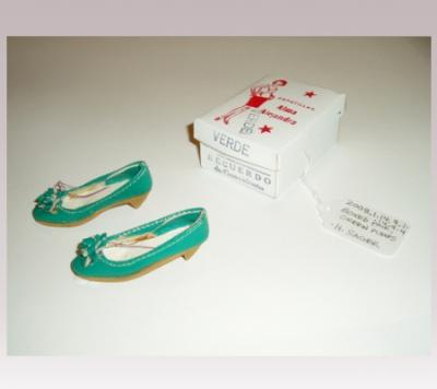 Hanni Sager, Miniature Shoes (green)